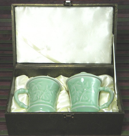 Pair of Mugs in Giftbox